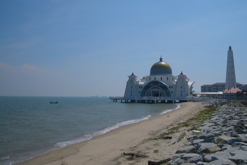 beachview with mosque in background